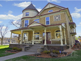 Ryder Cup 2016 Accommodation - Downtown Chaska