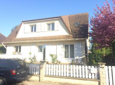 Ryder Cup 2018 Accommodation - Voisins Le Bretonneux (2km from Golf National)