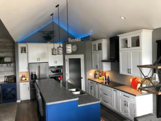 Kitchen w/ cathedral ceiling